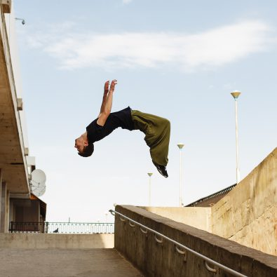 Parcours-renner maakt salto